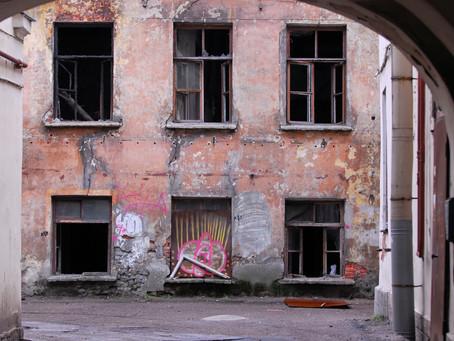 Opinión: ¿Qué pasa con los edificios abandonados en Puerto Rico?