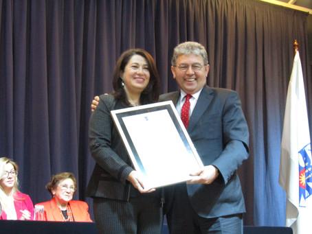 Carmen Gloria Mella Mora, recibe Galardón de la Universidad del Bío Bío