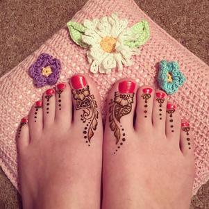Henna feet des