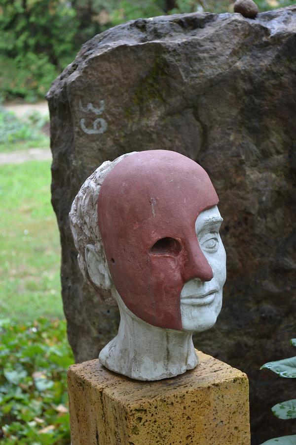 Friedhofskunst Kopf.JPG