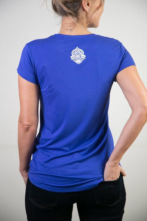 MODEL חולצה בייסיק כחולה