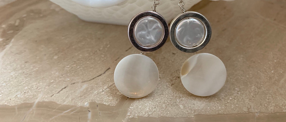 Mother of Pearl! Freshwater Pearl Coin Earring