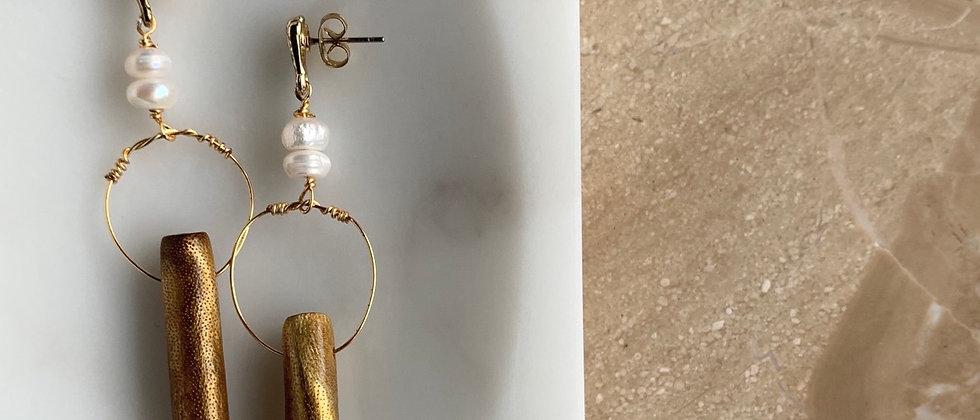 Shell Post Pearl Gold Wood Drop Earring