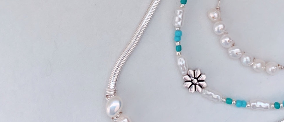 90's Flower Necklace