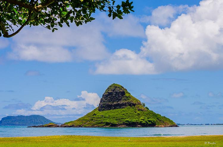 Mokoliʻi island off Oahu's northeast coast