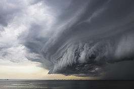 Super-cell-storm-cloud_compressed.jpg