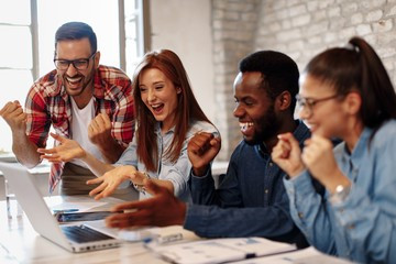 10 ways bosses improve teamwork and relationships