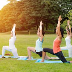 yoga-park-family-couple-exercising-outdo