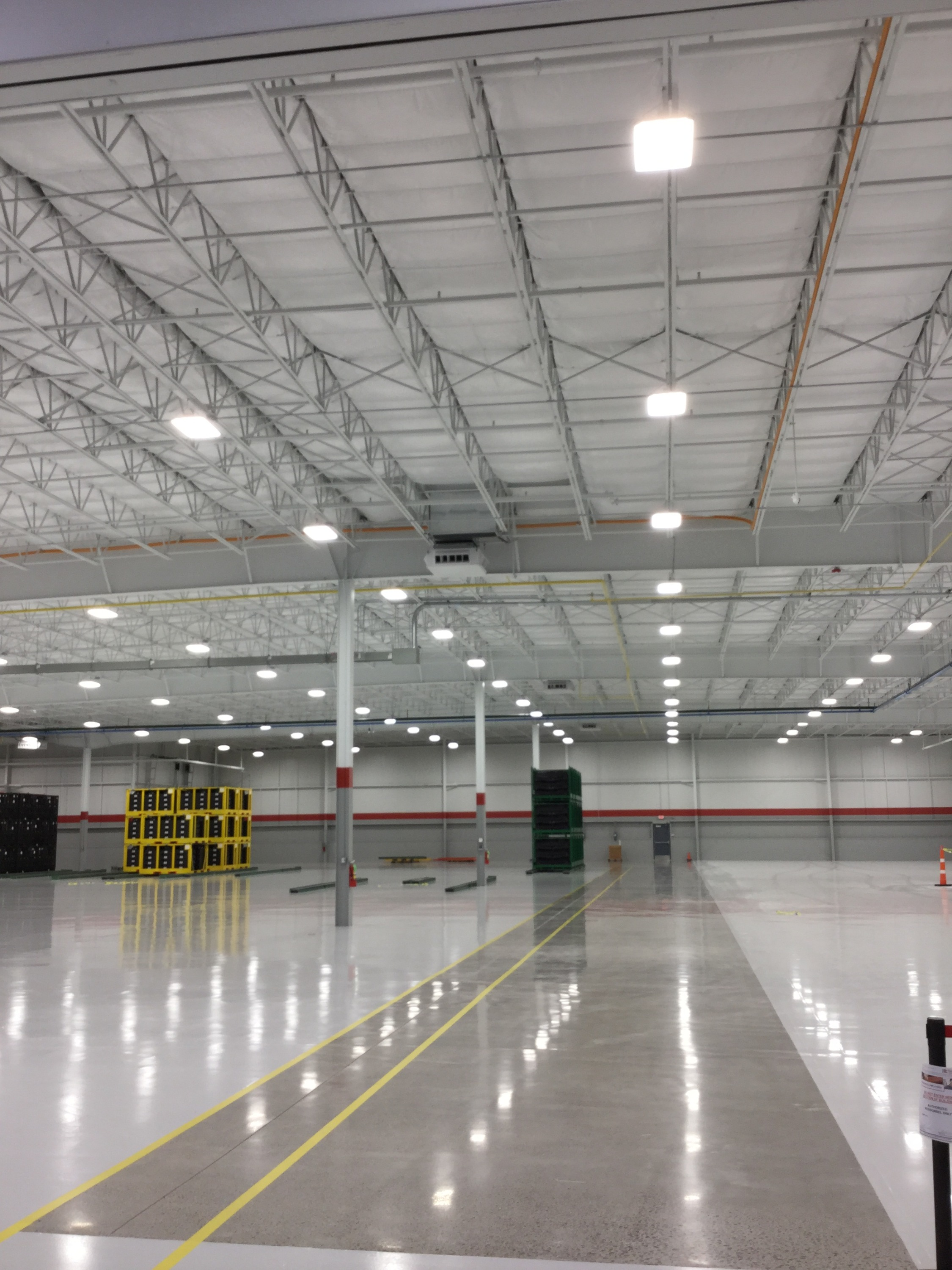 6 - 15 Ton RTU / LED Lights / Polished and Epoxy Floors