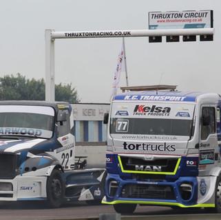 Thruxton2016_Team-Oliver-Racing (2).jpg
