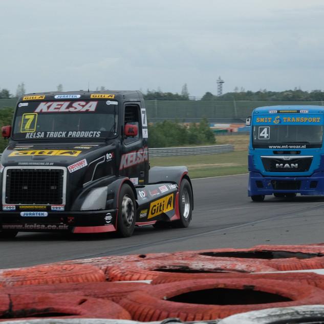 Team Oliver Racing 2020 (11).jpg