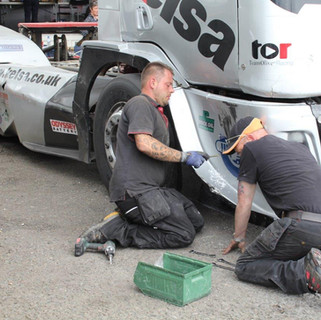 Donington2016_Team-Oliver-Racing (5).jpg
