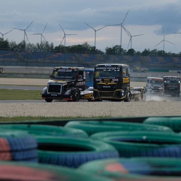 Team Oliver Racing 2020 (13).jpg