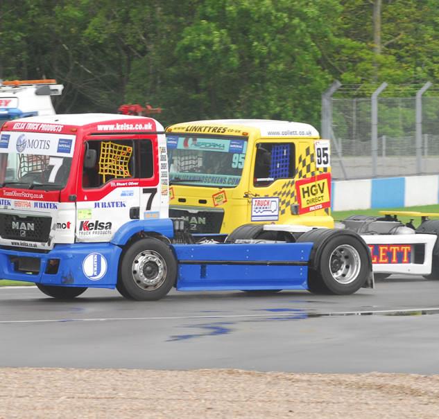 Donington2013_Team-Oliver-Racing (3).jpg