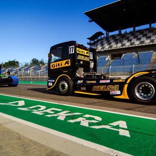 Team Oliver Racing 2020 (2).jpg