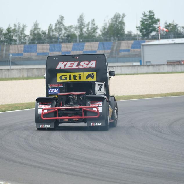 Team Oliver Racing 2020 (10).jpg