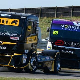 Team Oliver Racing 2020 (24).jpg