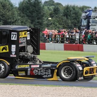 Donington2019_Team-Oliver-Racing (4).JPG