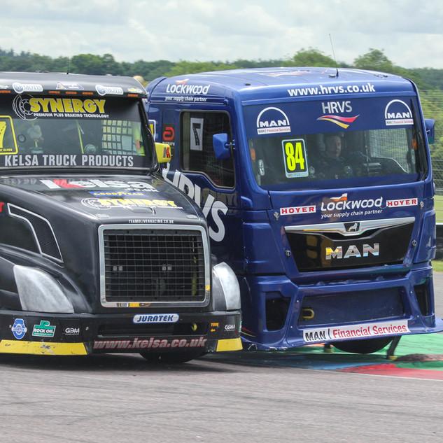 Thruxton2017-Team-Oliver-Racing (2).jpg