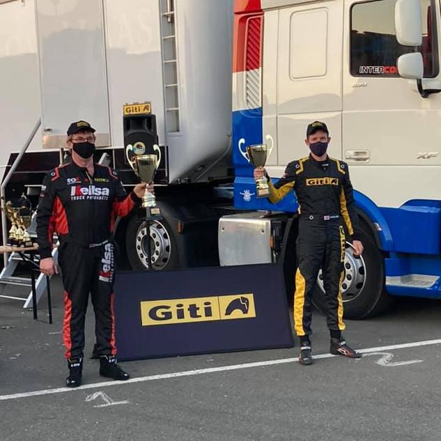 Team Oliver Racing 2020 (23).jpg