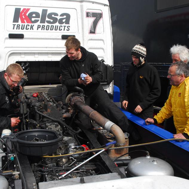 Thruxton2013_Team-Oliver-Racing (3).jpg