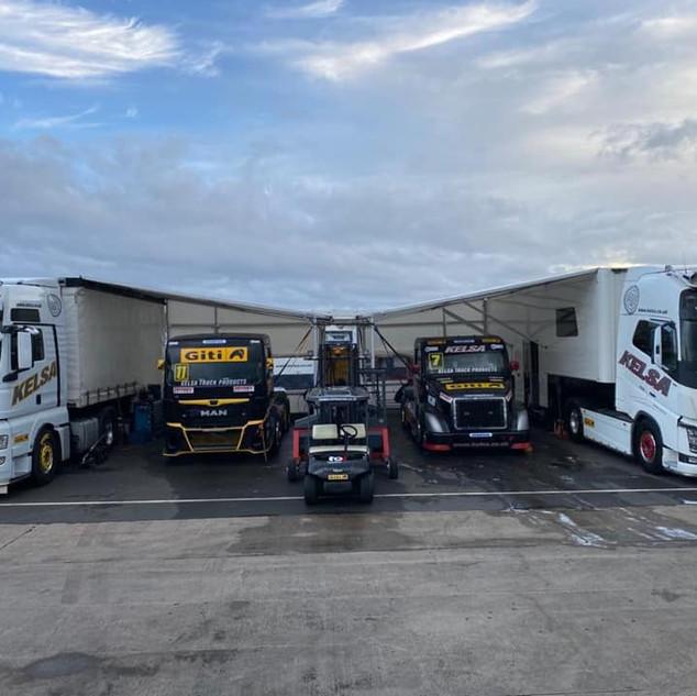 Team Oliver Racing 2020 (18).jpg
