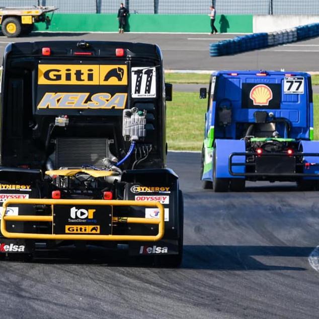 Team Oliver Racing 2020 (3).jpg