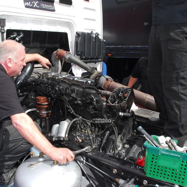 Donington2013_Team-Oliver-Racing (2).jpg