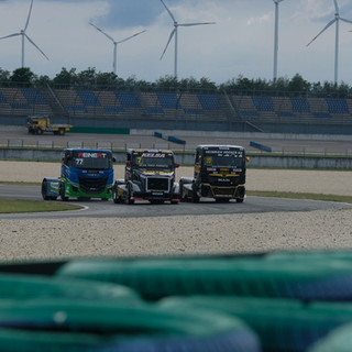 Team Oliver Racing 2020 (8).jpg