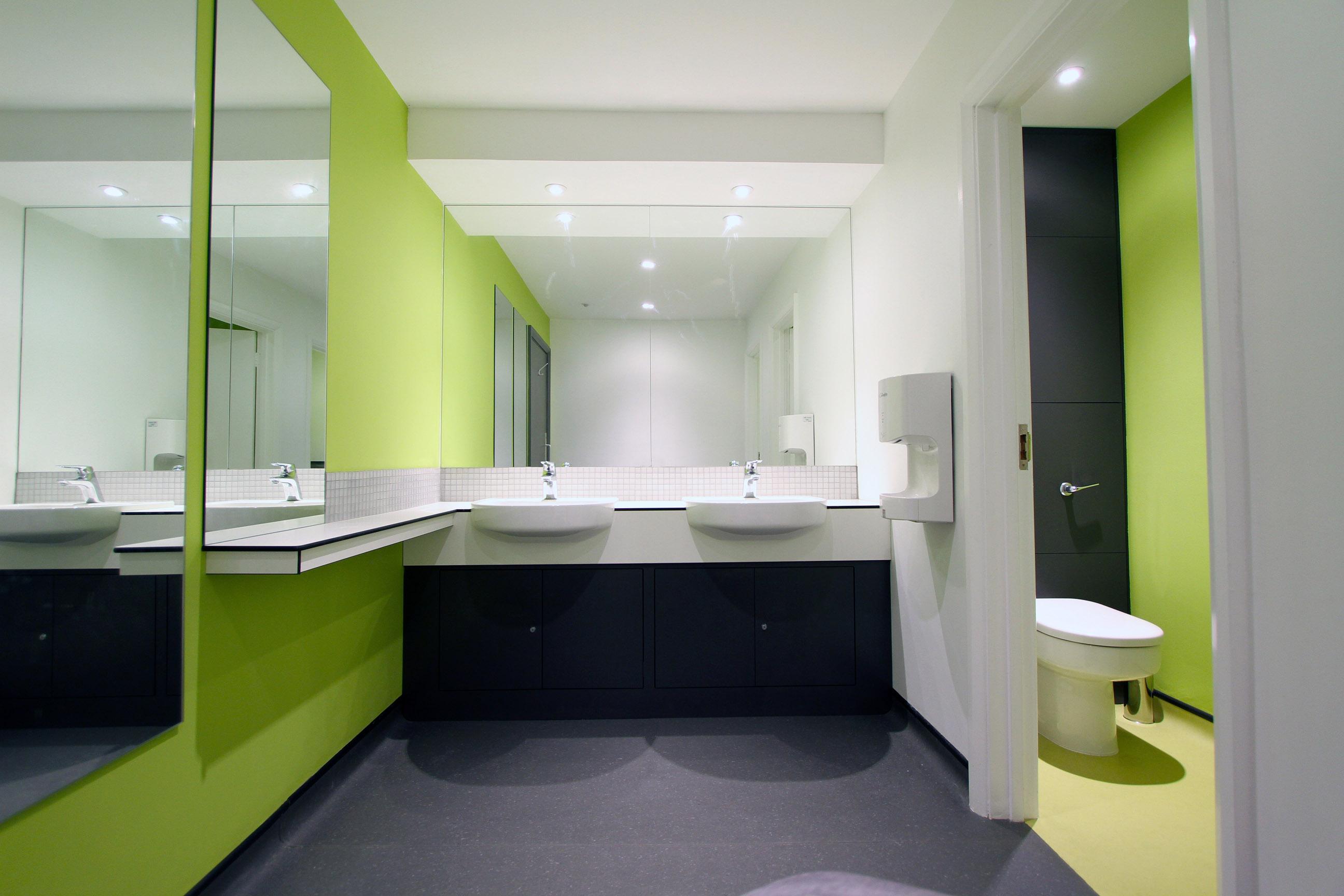 HURC Toilets F1