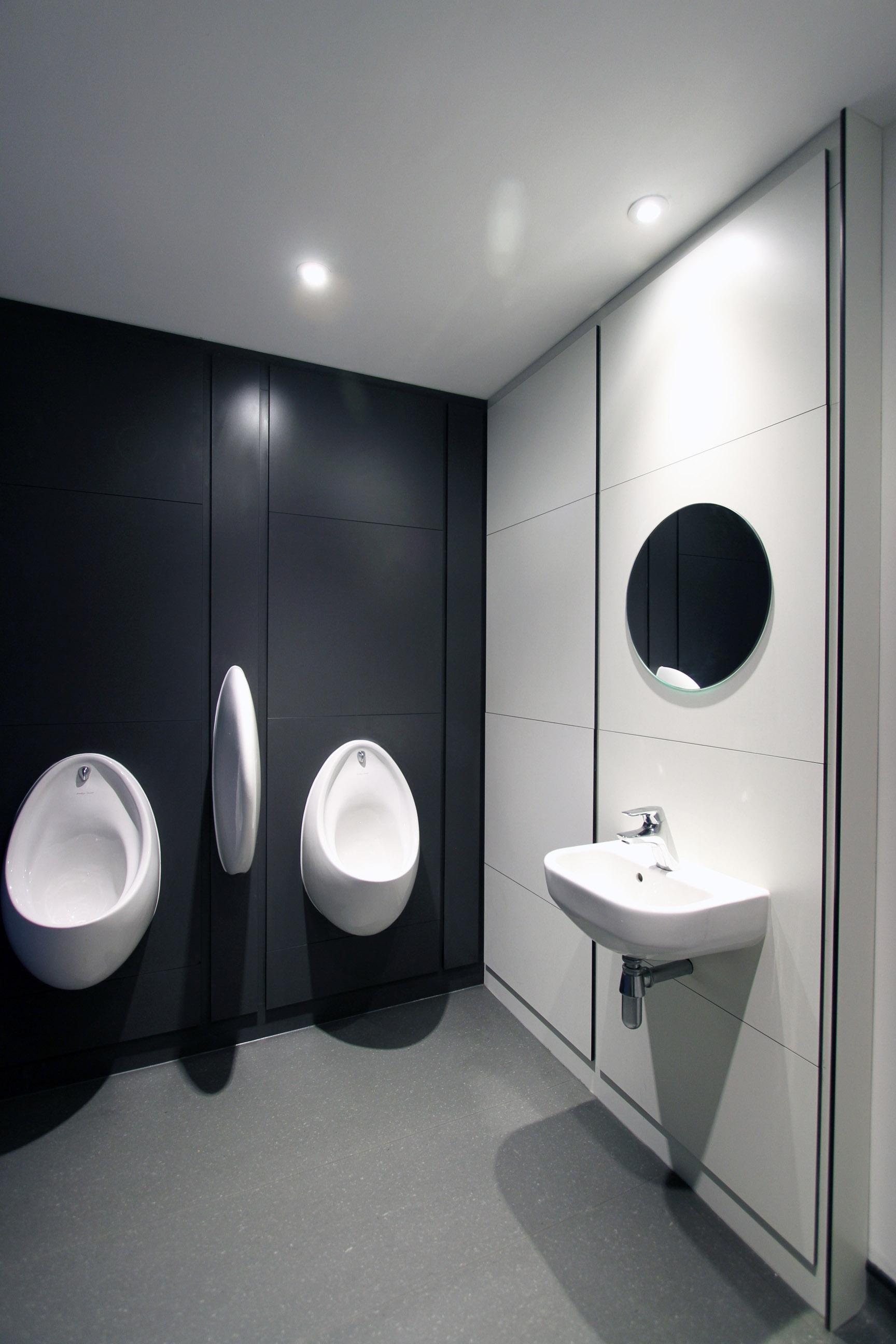 HURC Toilets M2