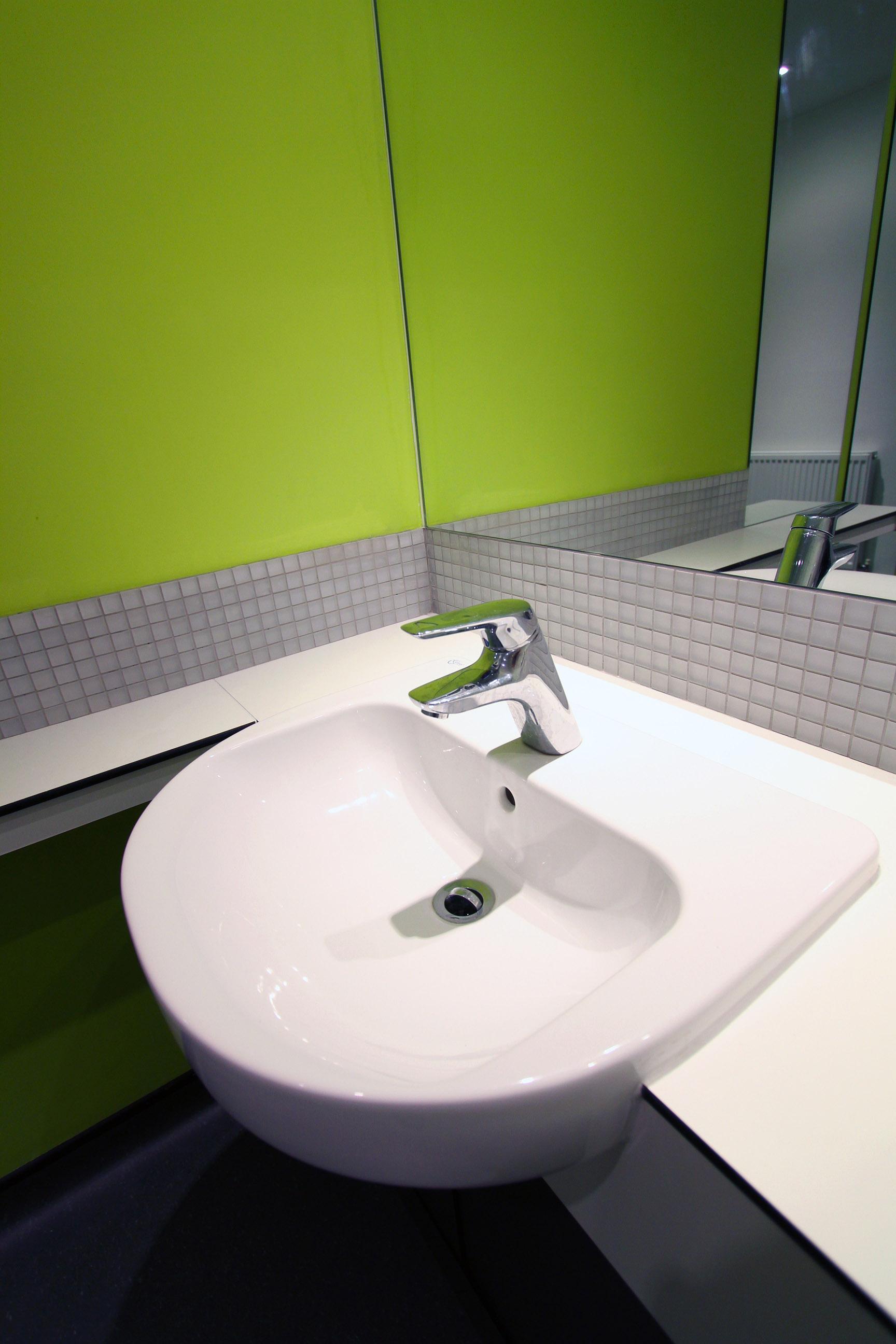 HURC Toilets F2