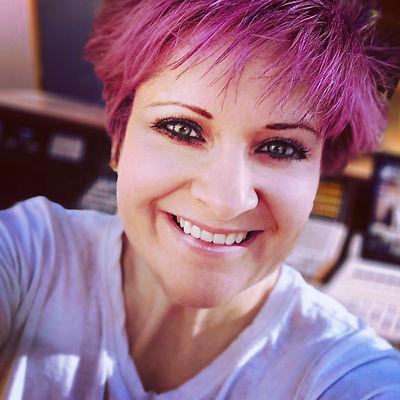 Nat Pink Studio Blondie.jpg