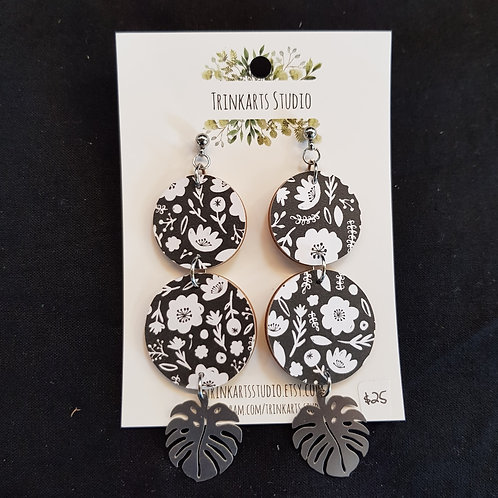 Trinkarts Studio Black and White with Fern Stud Drops