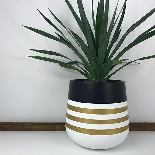 Indigo Earth Pot Sailor Design