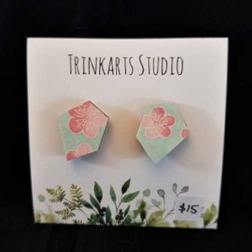 Trinkarts Studio Pentagon Flower Studs