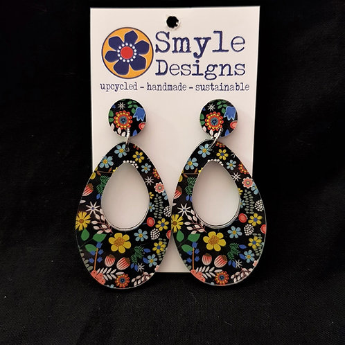 Smyle Designs - Oval Drop Earrings with Cut Out and Flower Design