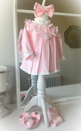 Frilly collar and cuff Dress with Bonnet