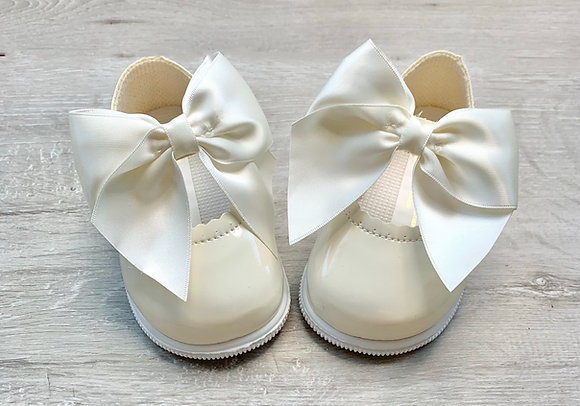 Hard Sole Big Bow Shoes (Cream)