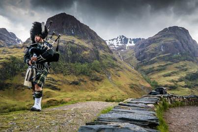 Scottish Bag Piper
