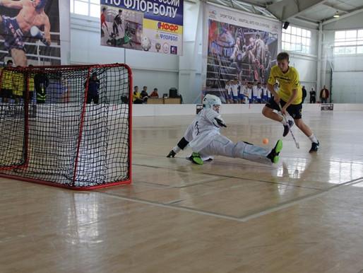 В Ульяновске хоккеисты удивляют флорболистов