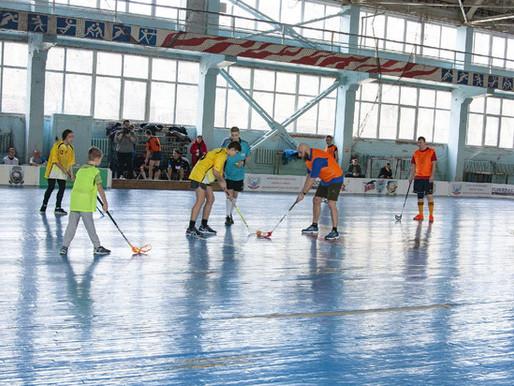 В Донецке провели турнир по флорболу