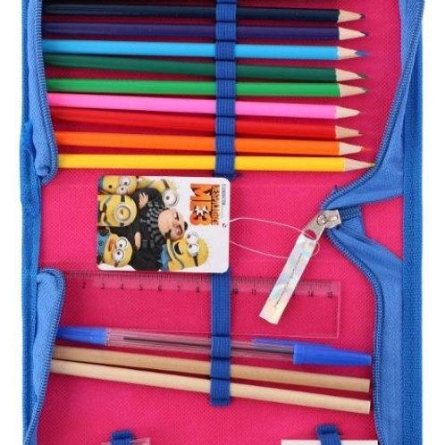Trousse garnie de coloriage