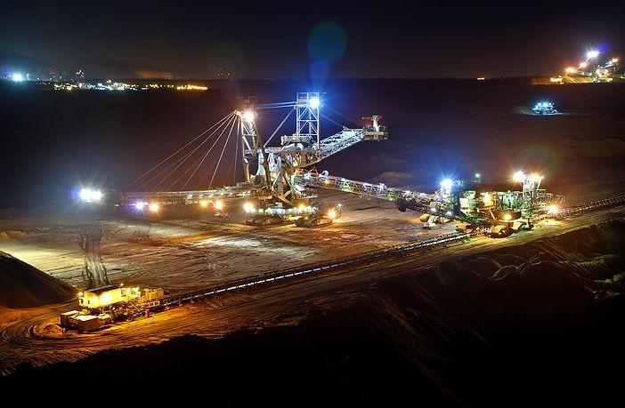 open-pit-mining-920200_1920.jpg