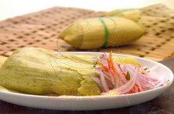 Tamalitos verdes con Salsa Criolla