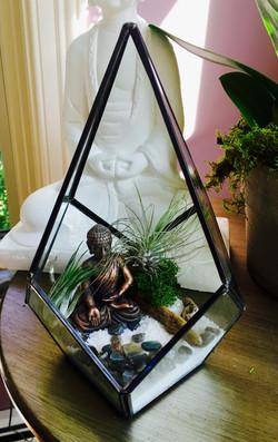 zen terrarium w bronze buddha