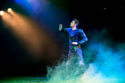 magicien bordeaux, florian sainvet, spectacle enfant, fism act