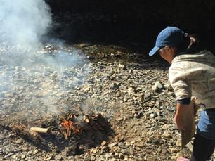 11/22 河原で焚火をしよう!自分で作った箸と器で手打ちうどんを食べよう!