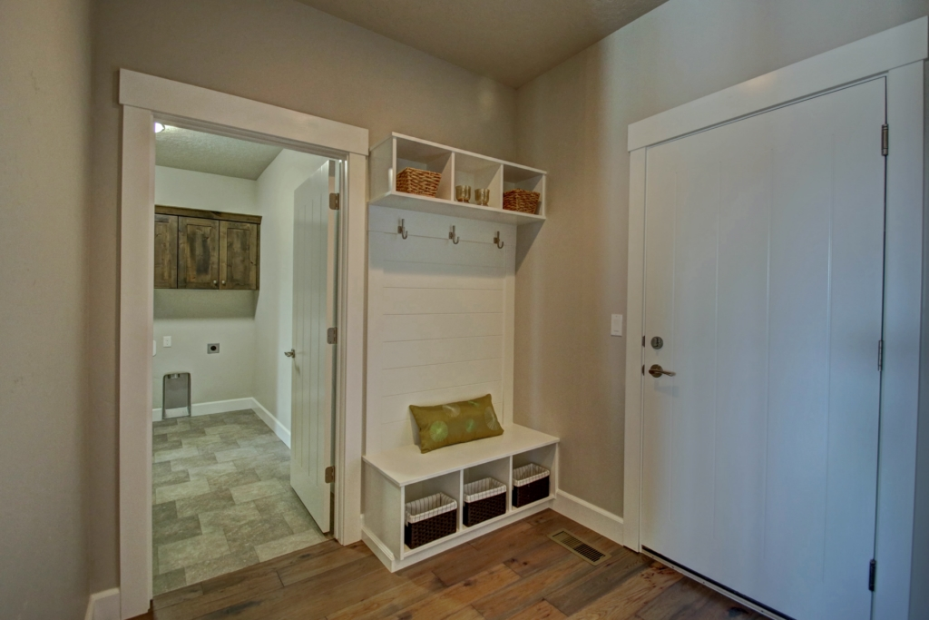 willowick mud room 1280X768