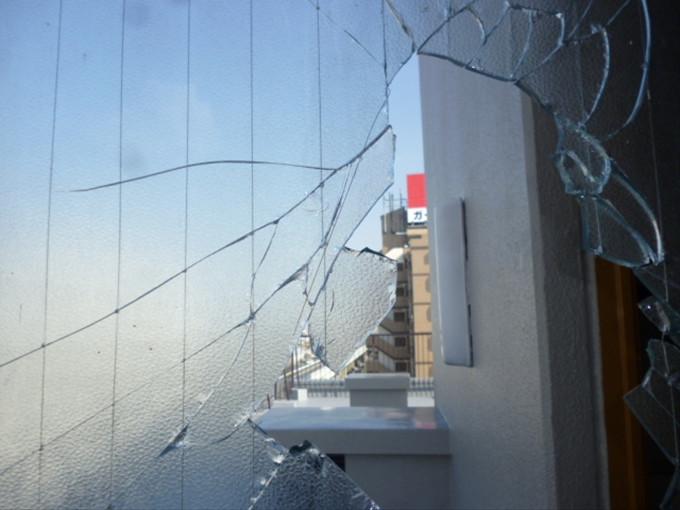 足立区 扇 窓ガラス修理・交換